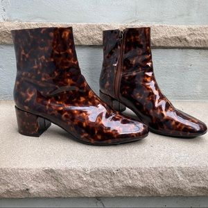 Urban Outfitters Tortoise Shell Chelsea Heel Boots